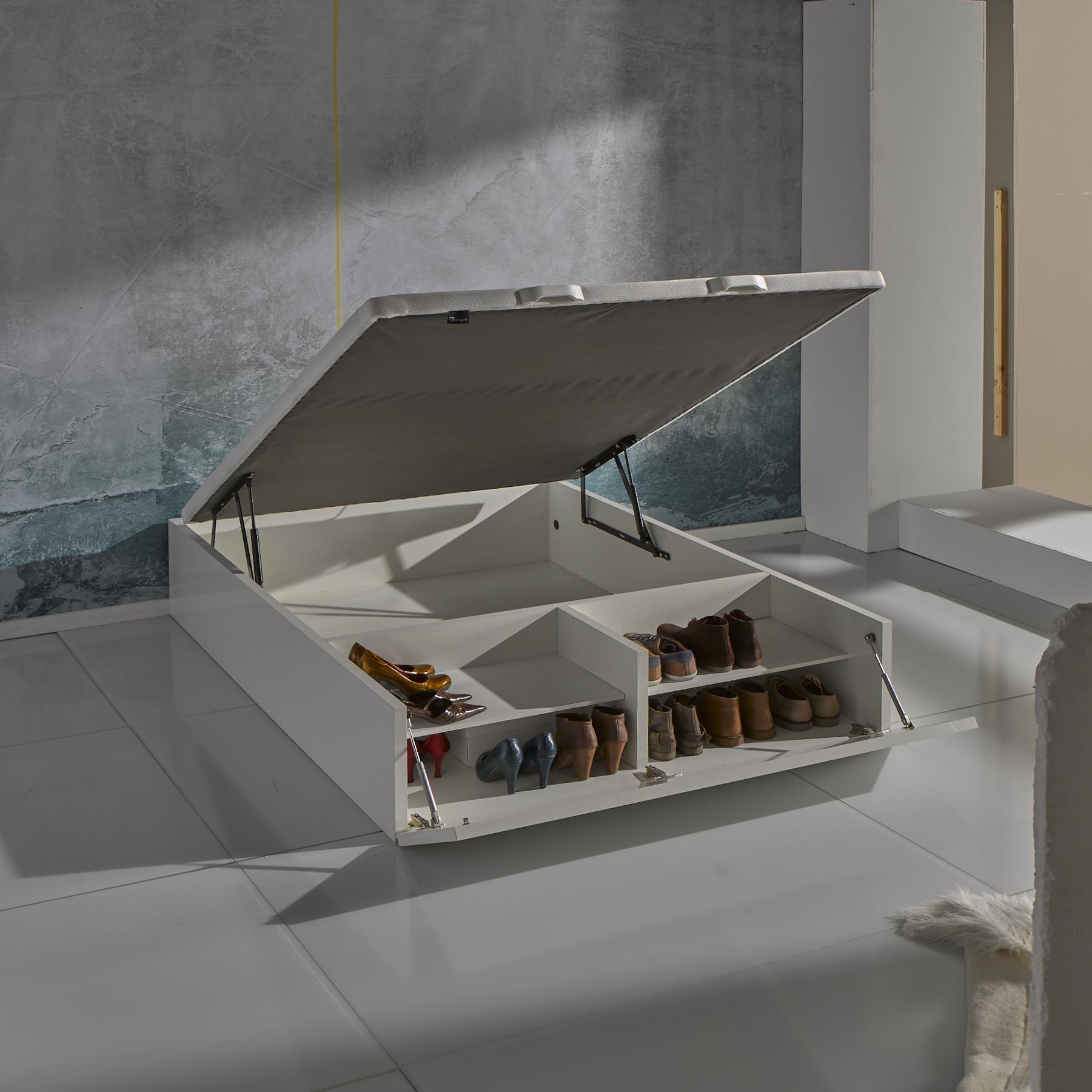 Una cama con canap para optimizar el espacio for Canape con zapatero