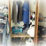 armario desordenado