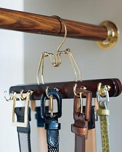 Este tipo de perchas son perfectas para colgar cinturones, y muy elegantes