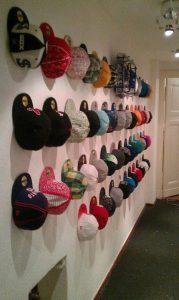 ordenar-gorras